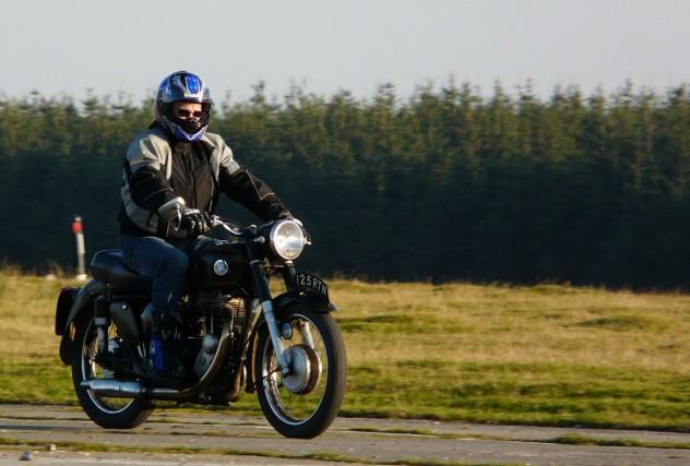 AJS 500 riding 1200px